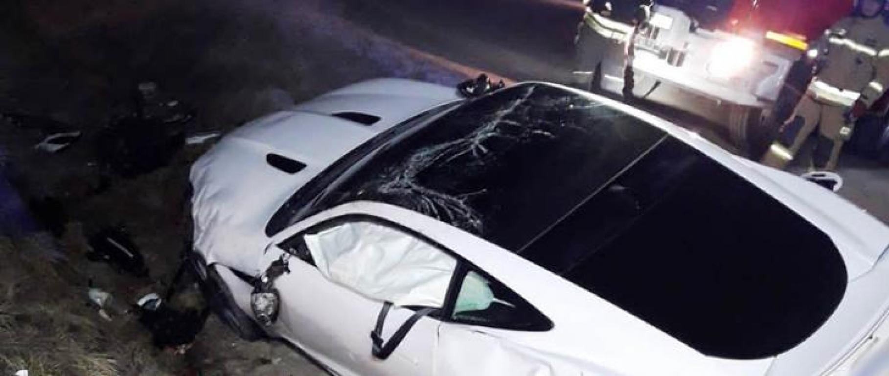 Stary Sącz – na obwodnicy Jaguar wypadł z drogi.