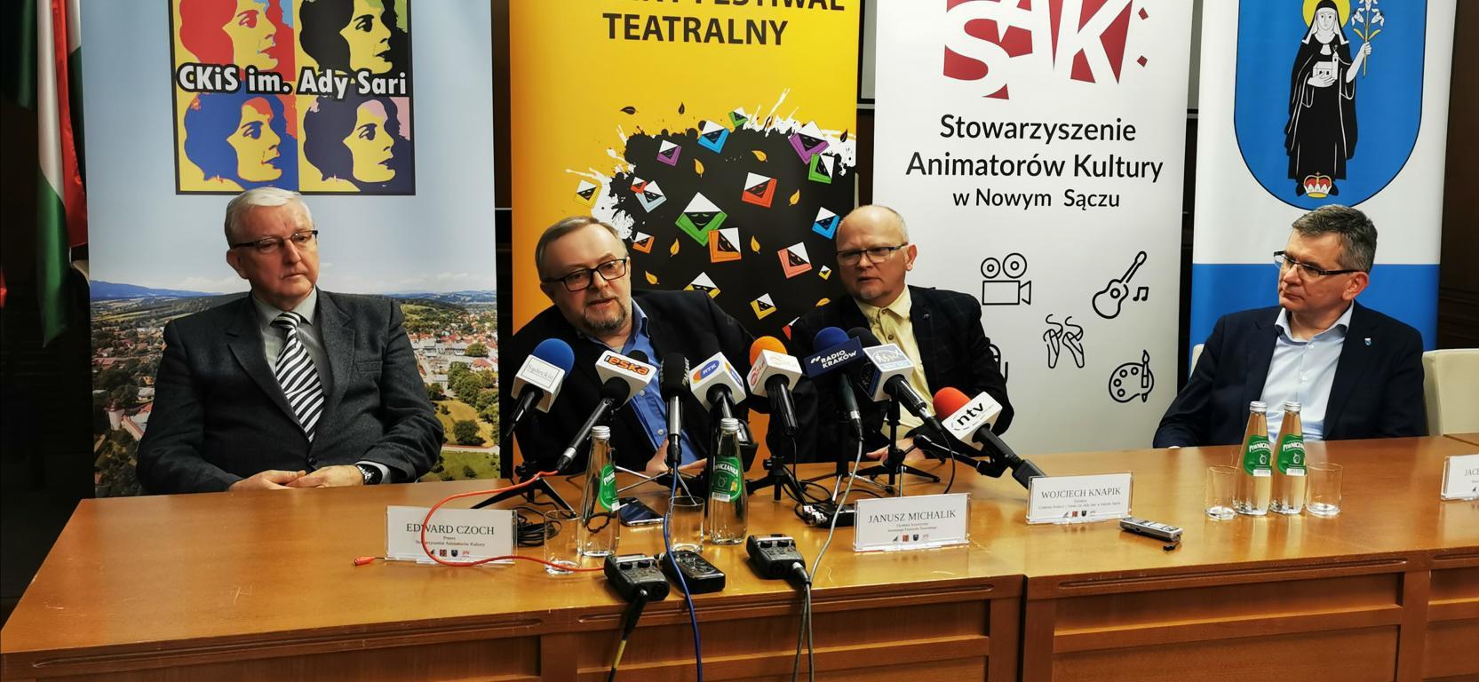 24. Jesienny Festiwal Teatralny w sali widowiskowej starosądeckiego Sokoła  od 25 IX do 4 X 2020