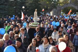 Marsz dla życia i rodziny w Nowym Sączu. Tysiące uczestników procesji.