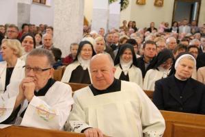 Biskup tarnowski Andrzej Jeż dedykował Panu Bogu kościół w Przysietnicy.