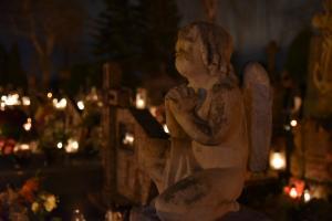 Starosądeckie cmentarze nocą