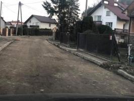 Ulica Źródlana - będą nowe krawężniki ☑️